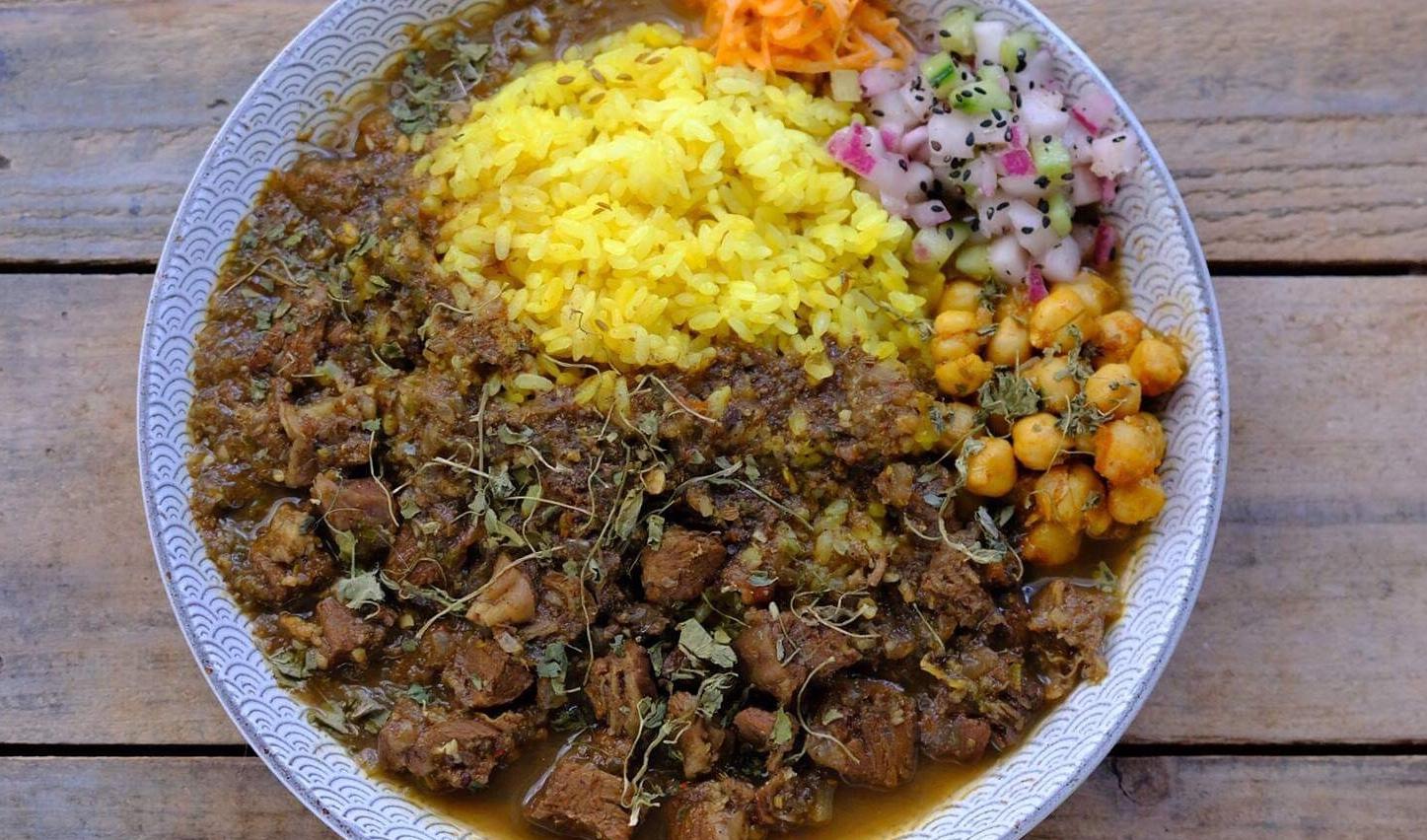 dish curry & relish(ディッシュ カレーアンドレリッシュ)